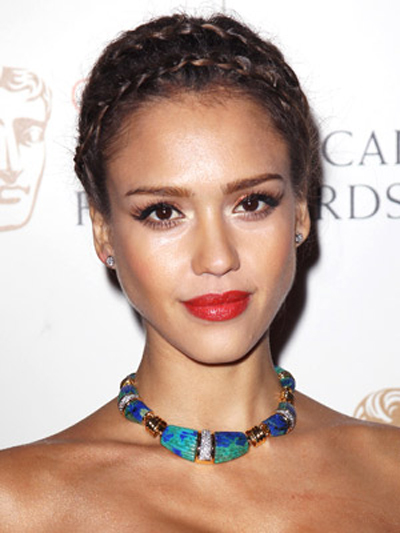 Jessica Alba's double-braided headband makes for an original and interesting look.