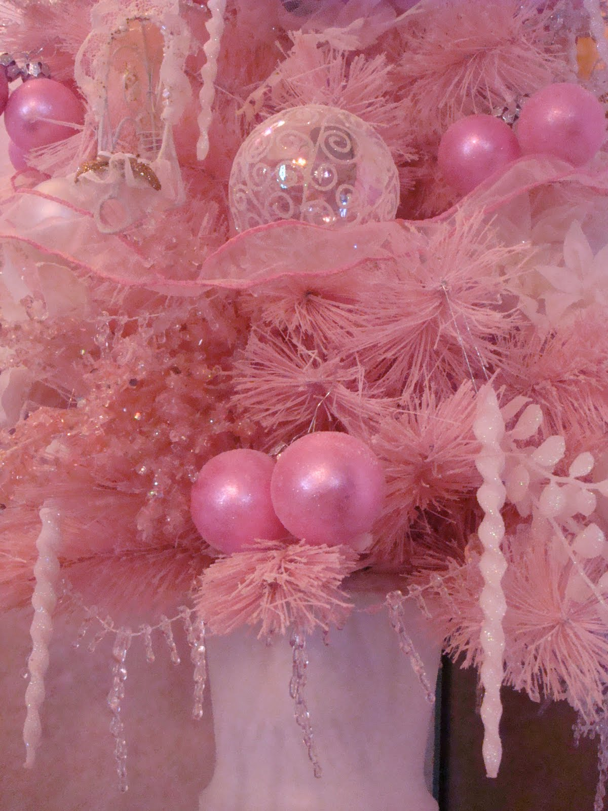 Magnificent A Pocket Full Of Roses Small Pink Christmas Tree Easy Diy Christmas Decorations Tissureus
