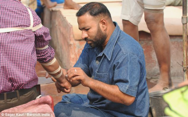 Rawatan Tradisional Yang Keterlaluan di India