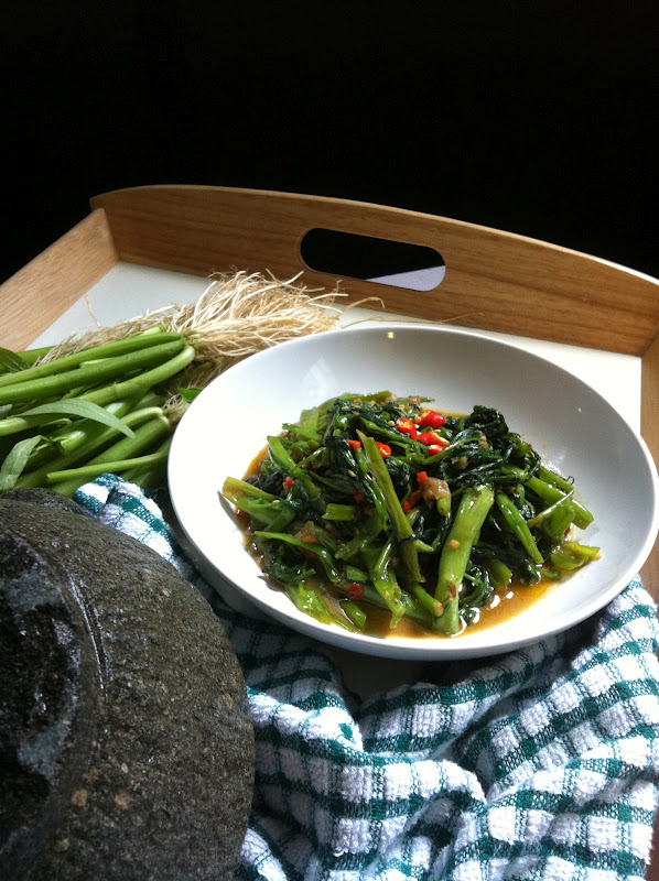 kangkong as oil Kangkong and tofu with oyster sauce is a quick stir-fry vegetable dish made with drain excess oil on paper towels and keep add kangkong leaves and.