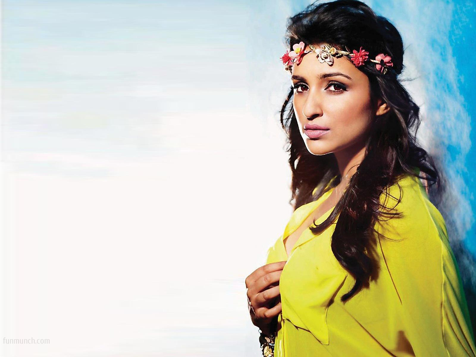http://3.bp.blogspot.com/-pkNWZ8uXVso/UXp5B_3nUyI/AAAAAAAAGcs/PwFZmBbdVgw/s1600/parineeti+chopra+hd+wallpapers+++latest+new+collection+(2).jpeg