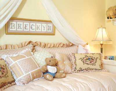 Decorating kids bedroom toddler room for Dayroom yellow bedroom