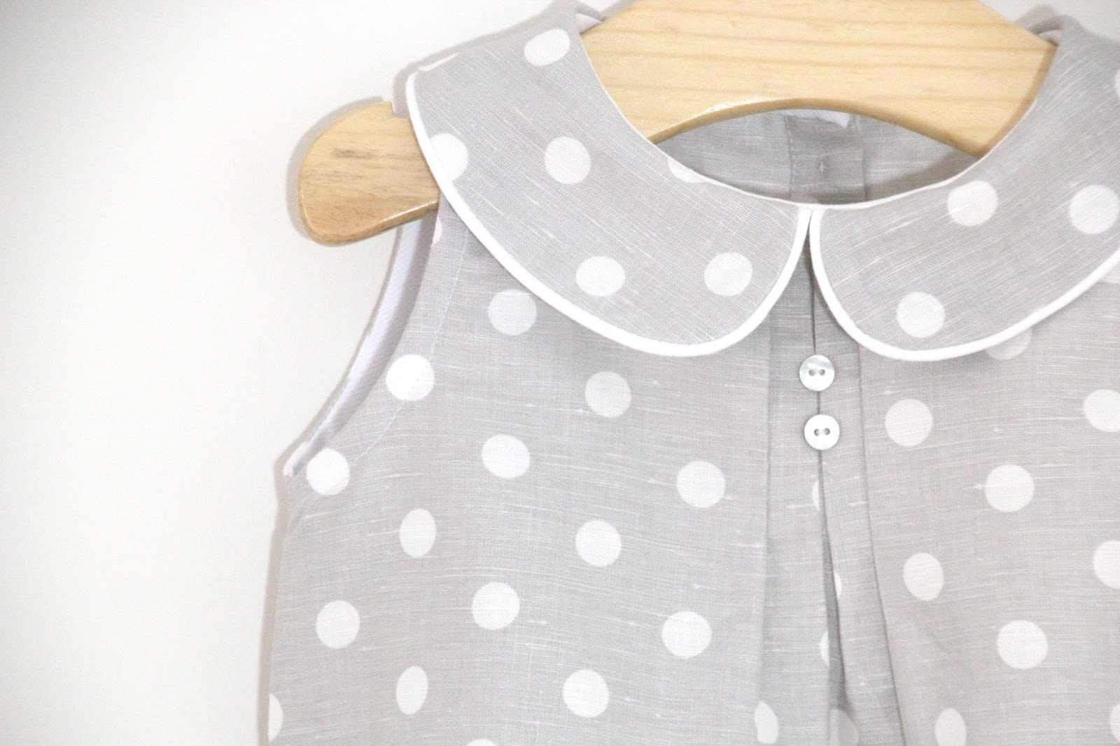 Tutorial y patrones: Pelele de lunares para bebe DIY | | Oh, Mother ...