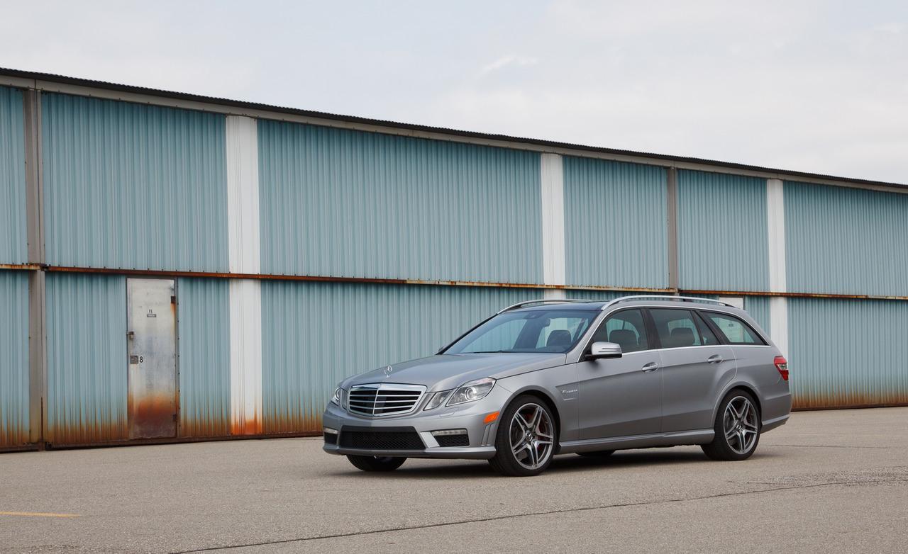 http://3.bp.blogspot.com/-pkrDXQ4U4KI/T_fcPJJsmeI/AAAAAAAAEPU/hepOYP2-lPo/s1600/Mercedes-Benz+E63+AMG+Wagon+Hd+Wallpapers+2012_3.jpg
