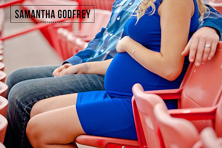 maternity, Las Vegas Family Photographer, Las Vegas Photographer, Vegas Photographer, Maternity, Baseball, Baseball Maternity, UNLV,