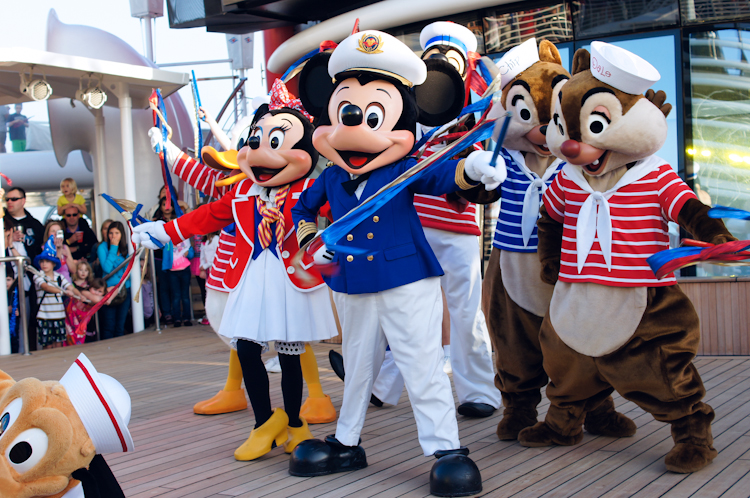 Ribbons Down My Back: Sail Away Party on the Disney Wonder