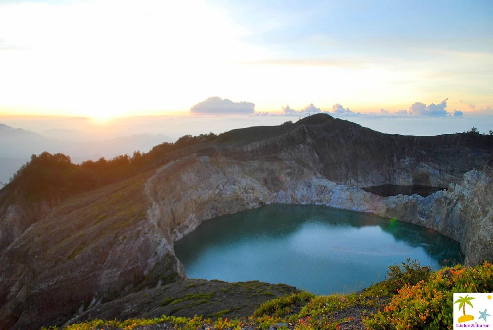 travel blogger indonesia jalan2liburan danau kelimutu finally rh jalan2liburan com