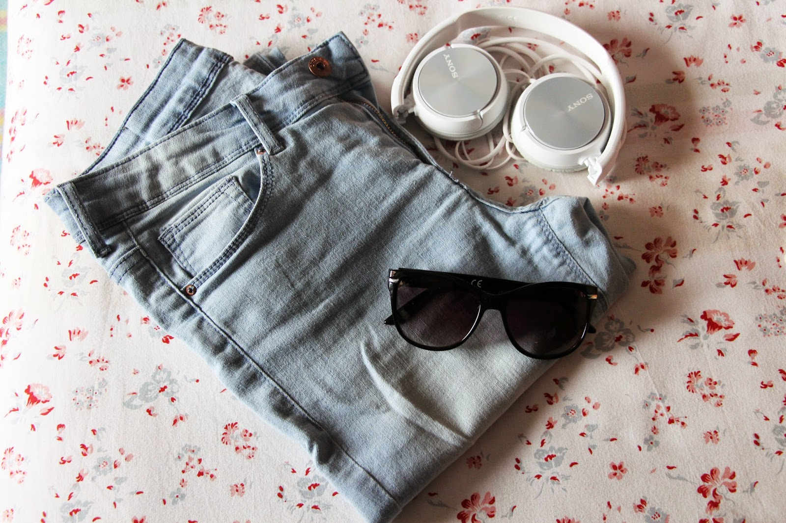 H&M jeans and sunglasses