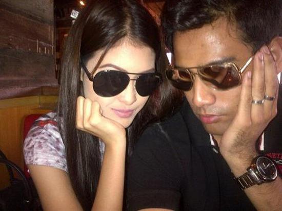 Foto Afiq Muiz dengan Eina Azman