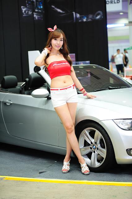 4 Heo Jung Hyun - Seoul Auto Salon 2012-Very cute asian girl - girlcute4u.blogspot.com
