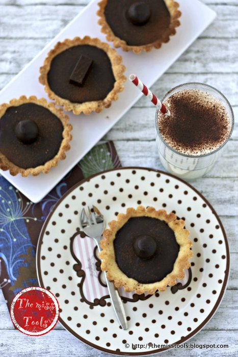 crostatine con ganache al caffé-cioccolato e marmellata amara d'arance   chocolate-coffee tartlets with orange marmalade