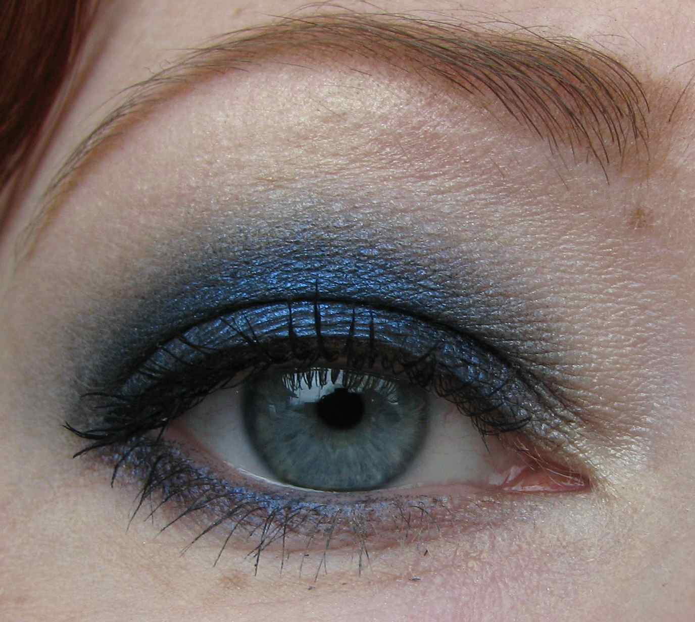 L Oreal Infallible Eyeshadow In All Night Blue Swatches