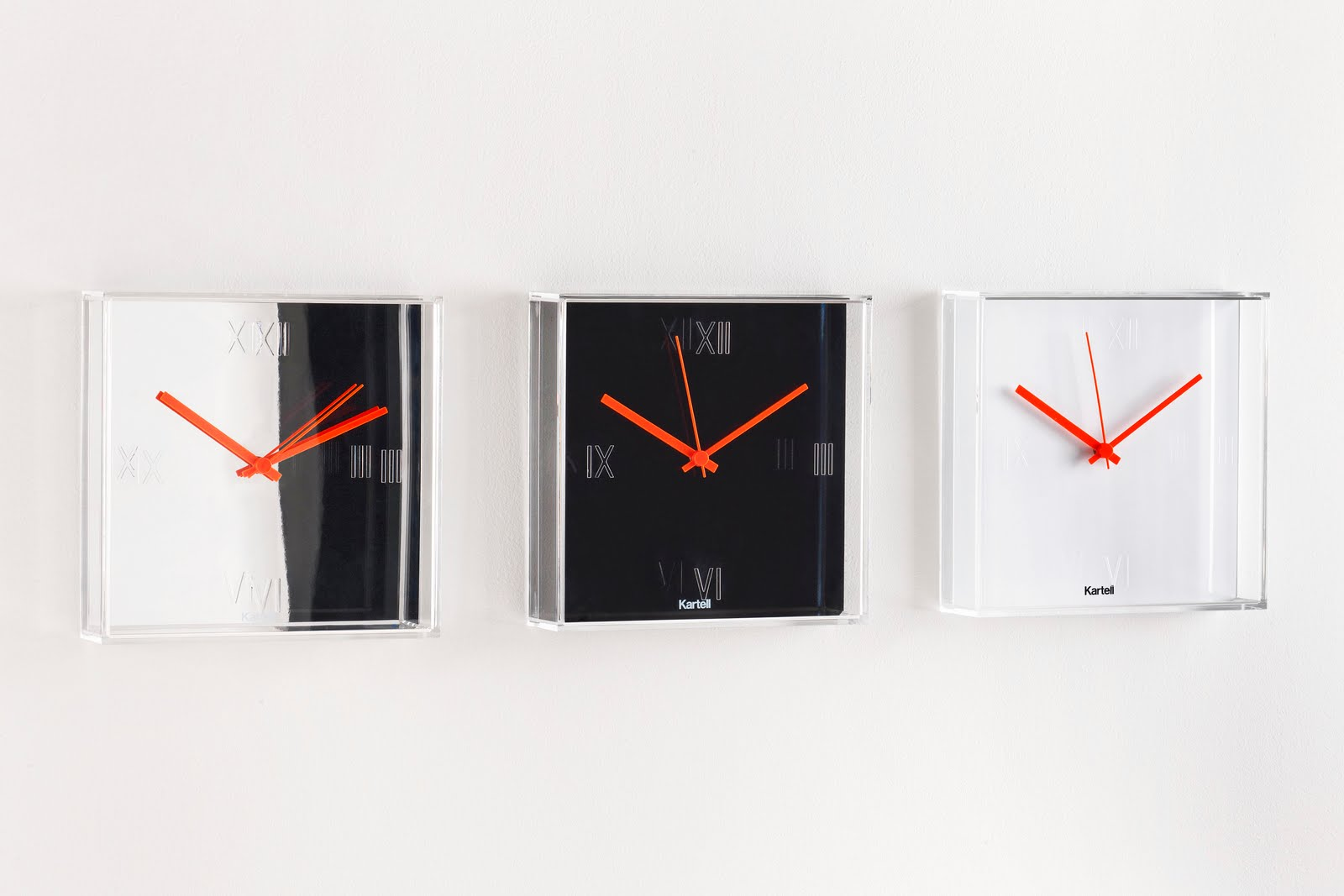 kartell tic tac clock by philippe starck. Black Bedroom Furniture Sets. Home Design Ideas
