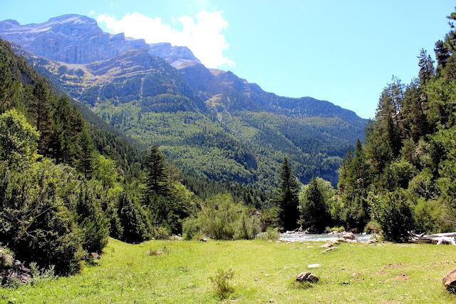 Valle del río Ara-Huesca