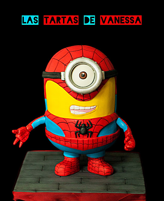 tarta 3d de fondant minion spiderman