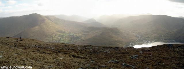 Subiendo a la montaña Ben Creggan