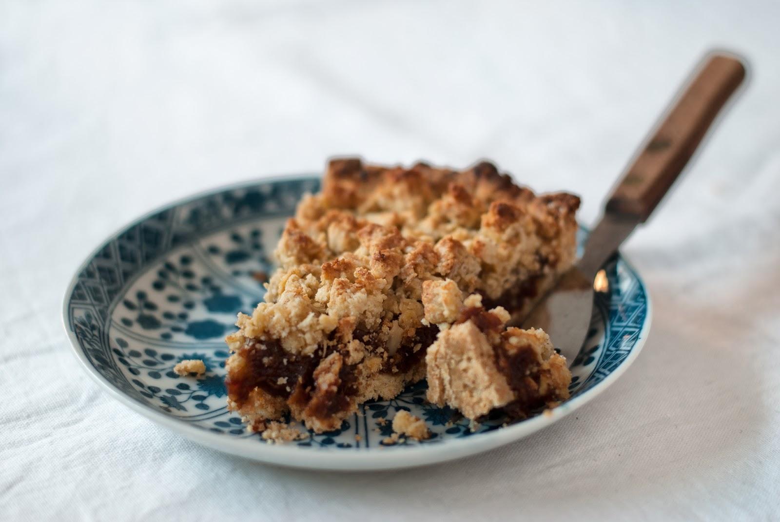 Owsiane ciasto bez glutenu z daktylami