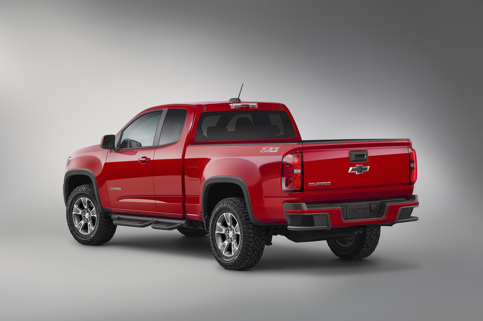chevy styles up 2015 colorado with new z71 trail boss edition carscoops. Black Bedroom Furniture Sets. Home Design Ideas