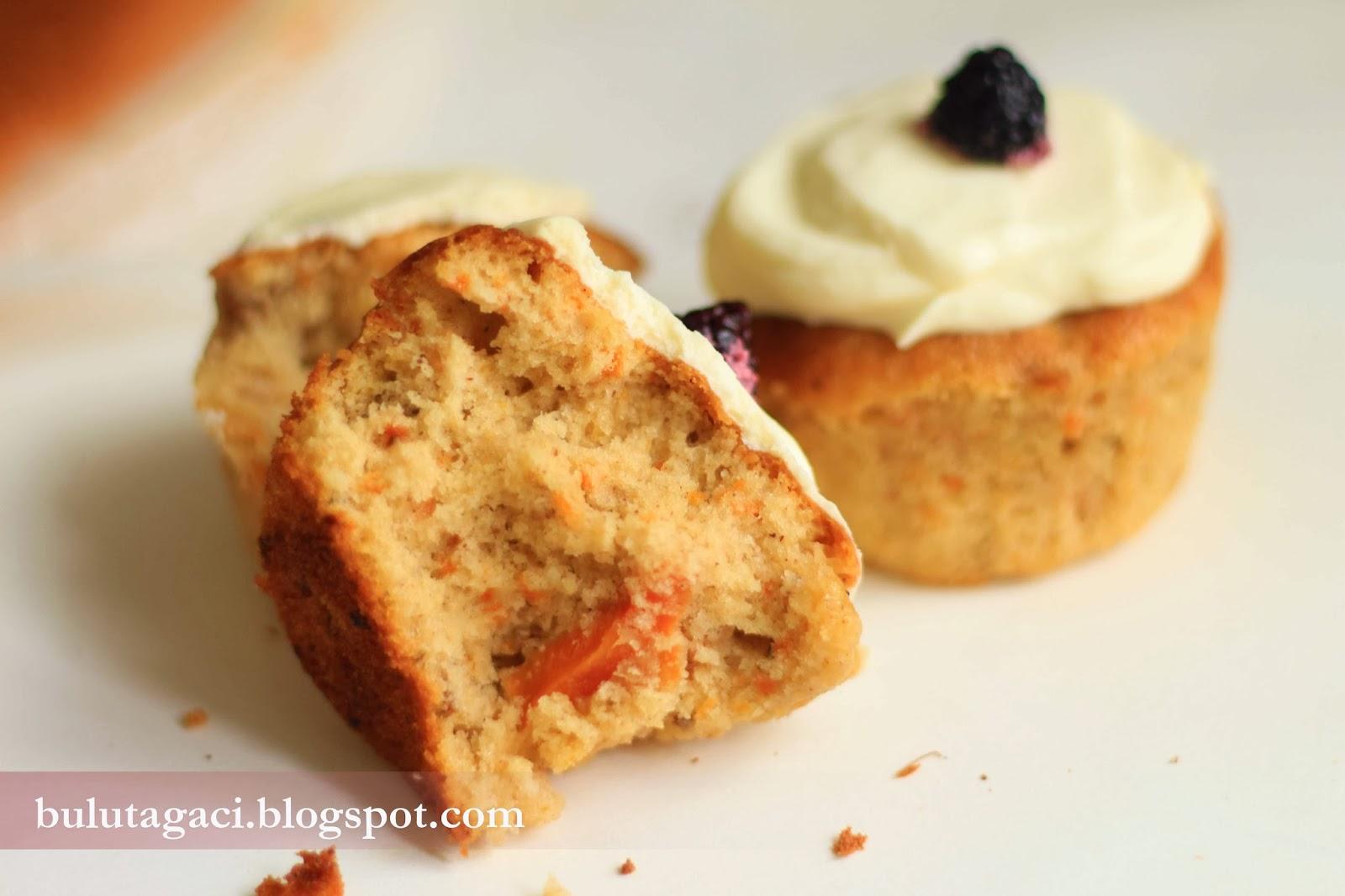 Havuçlu Cevizli Muffin Cupcake tarifi