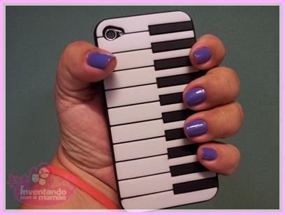 Capa para iPhone com formato de teclado