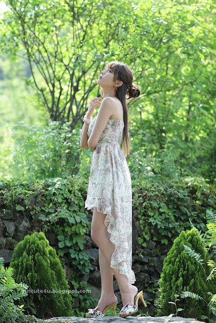 Heo-Yun-Mi-Strapless-Dress-27-very cute asian girl-girlcute4u.blogspot.com