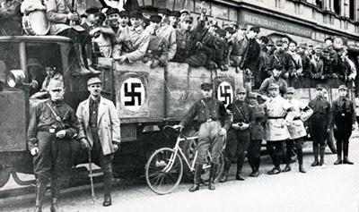 Orang-orang NAZI pada masa-masa awal berdirinya partai itu