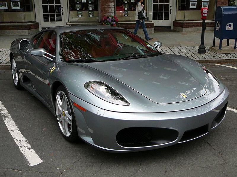 سيارات ليونيل ميسي ( مجموعة رائعة ) ... Lionel-Messi-Ferrari