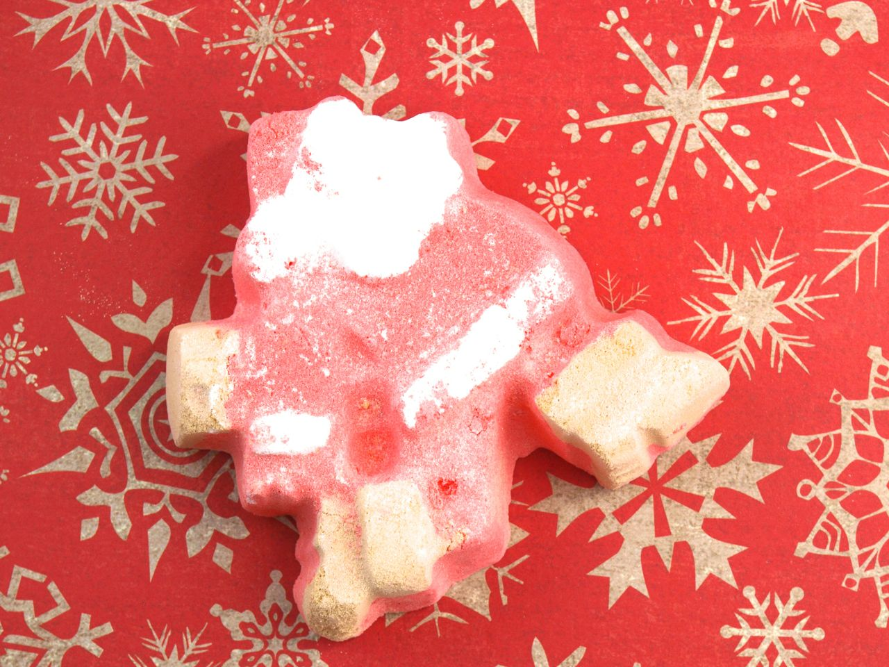 Lush Christmas 2014 Collection Dashing Santa Bath Bomb