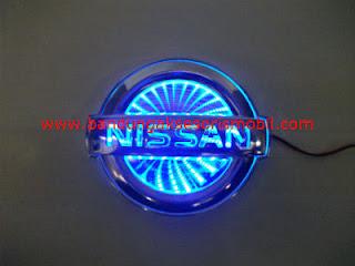Front Logo + Lampu 3D Nissan Biru