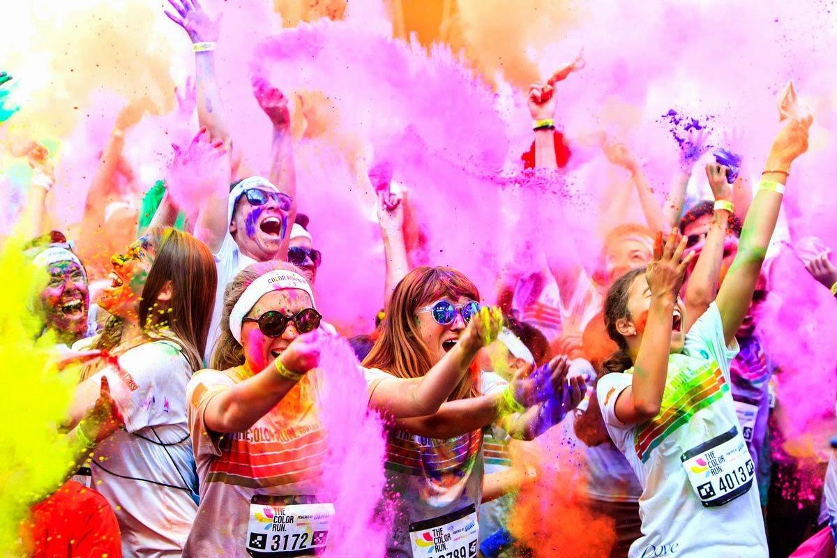 Invitatie la culoare si bucurie pe malul marii - The Color Run Mamaia, 26 iulie 2014. Explozie de culoare