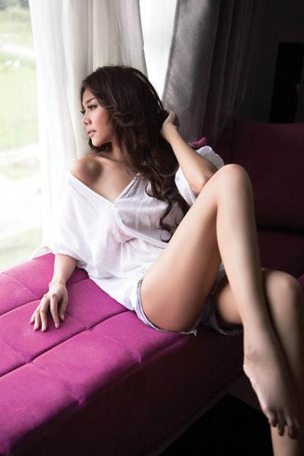 Cũng thuộc lứa đàn chị của làng người mẫu Việt Nam, Thanh Hằng sinh năm 1983.