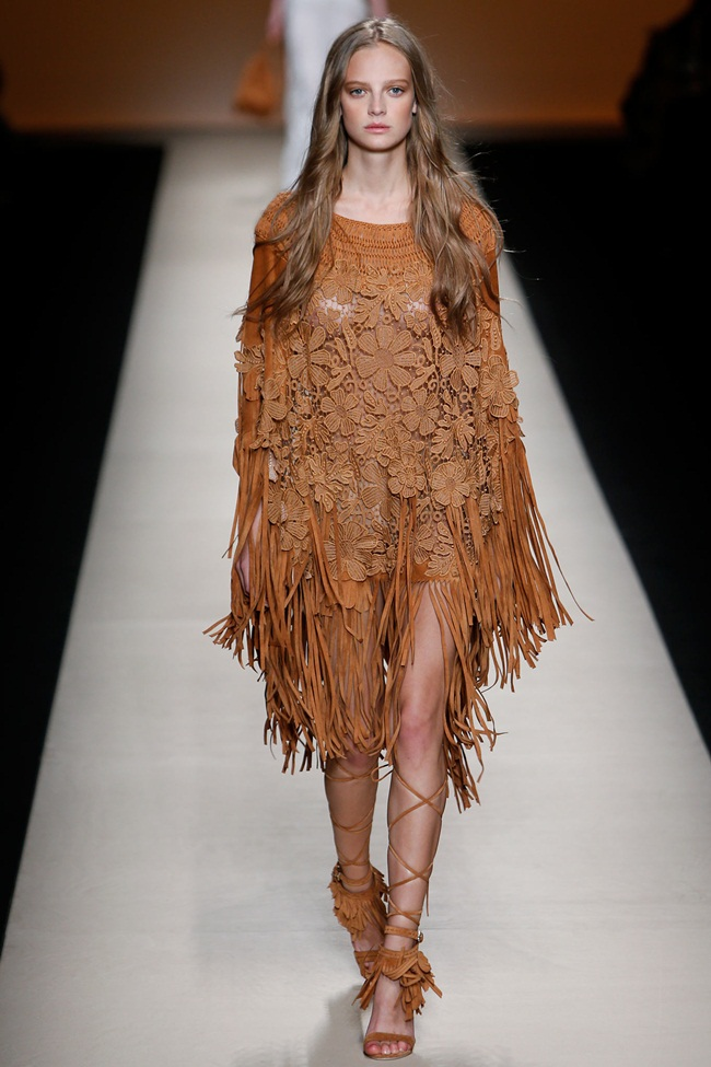 Alberta Ferretti 2015 SS Brown Lace Tassels Poncho on Runway