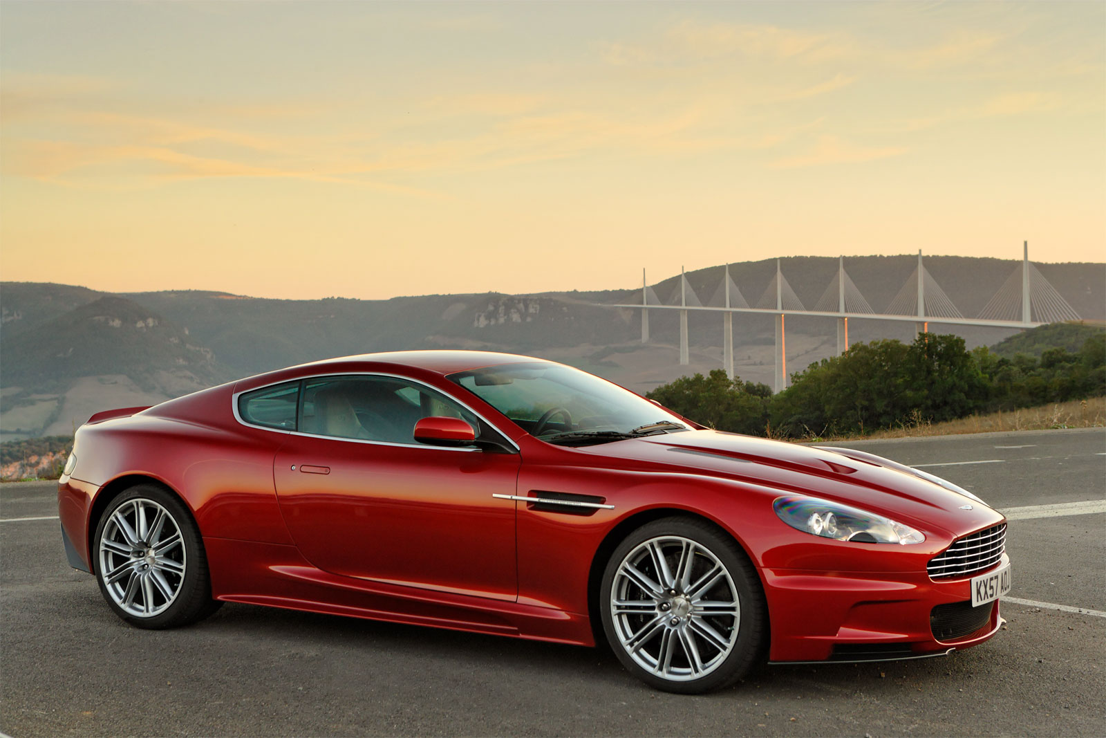 sport cars aston martin dbs hd wallpapers 2010. Black Bedroom Furniture Sets. Home Design Ideas