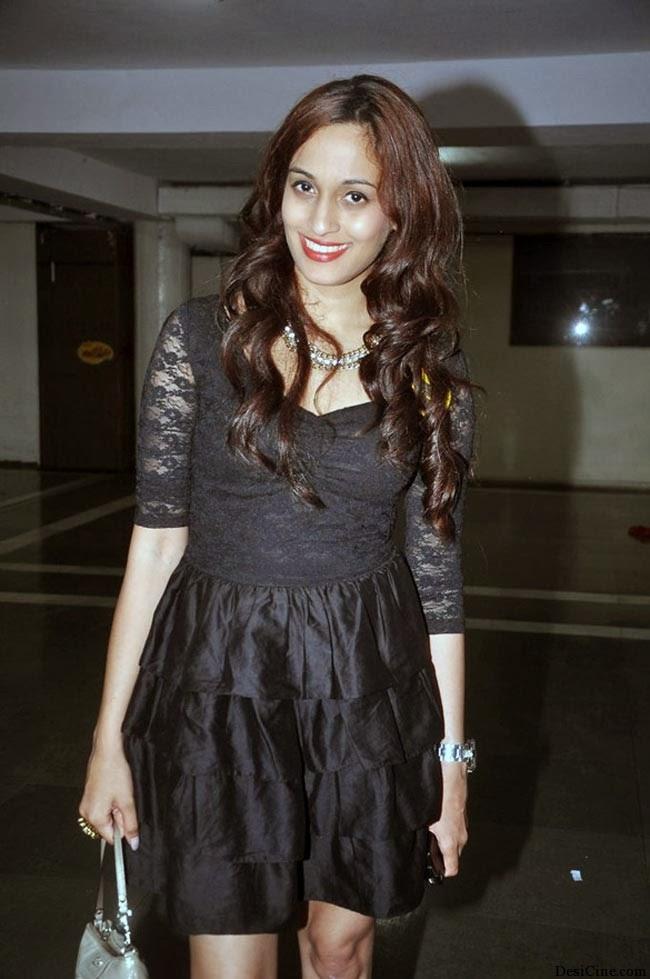 20+Hot+Female+Singers+Of+Bollywood001