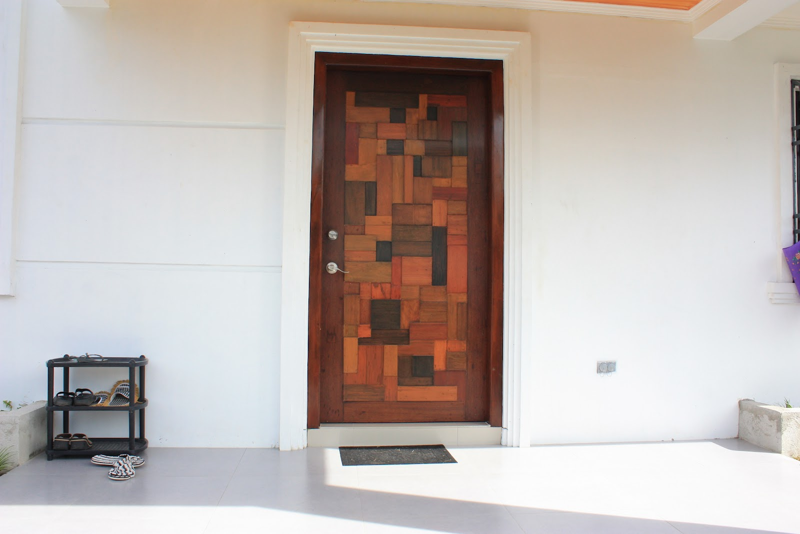 Modern main door designs room 4 interiors for Entry door designs for home