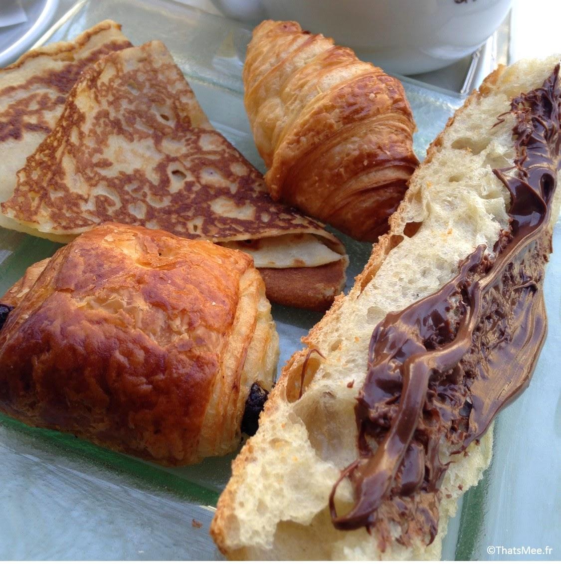 croissant pain au chocolat mini-viennoiserie crepe tartine brunch Le Beaumarchais Paris Bastille café restaurant