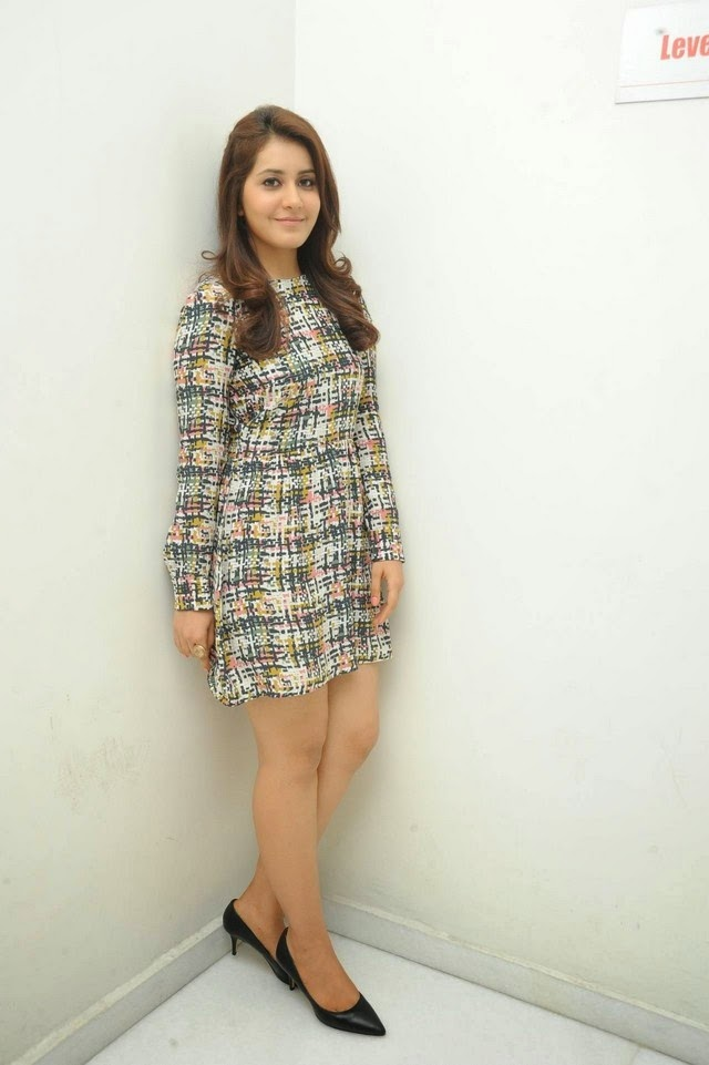 Rashi Khanna Hot Photo Gallery