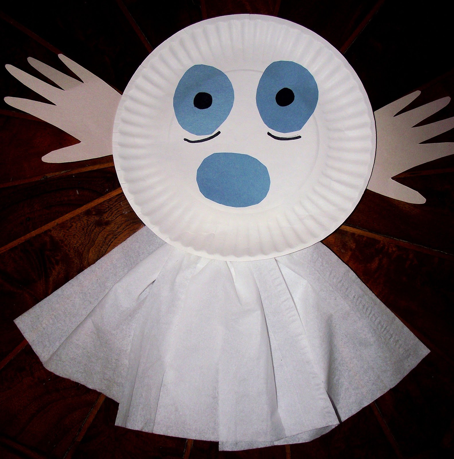 & Momma Melly: Paper Plate Ghost! (Easy craft for kids)