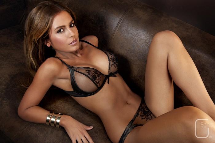 spanish girl nude pic