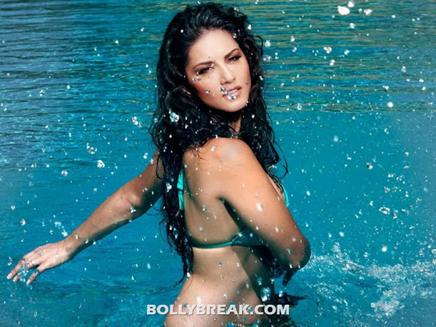 Sunny Leone in bikini in Jism 2 