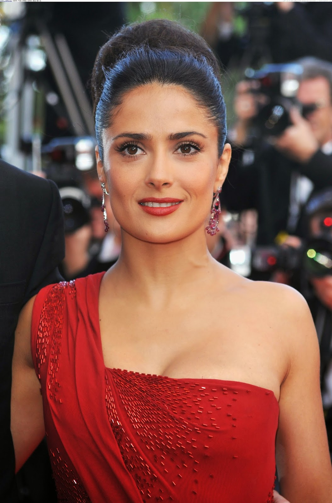 Salma Hayek Hd Wallpapers Free Download