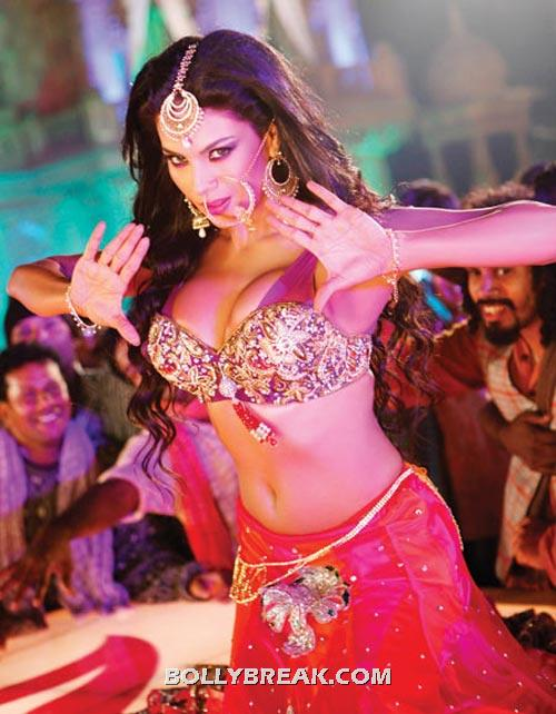 Veena Malik hot navel show - (12) - Best Navel in Bollywood - Actresses with perfect Waistline