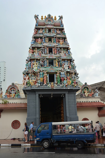 Sri Mariamman Temple Singapore tower