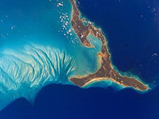 Pulau Eleuthera di perairan Bahama