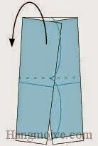 Bước 6: Gấp cạnh giấy về phía mặt đằng sau.