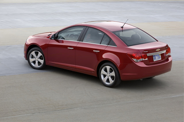Rear 3/4 view of 2011 Chevrolet Cruze