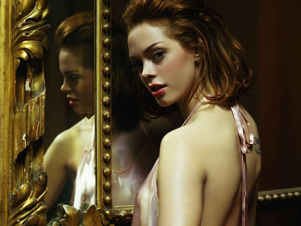 http://3.bp.blogspot.com/-pqXuVmsToi0/TudAfPH62LI/AAAAAAAANmI/76V7N8R38OI/s1600/rose_mcgowan_planet_terror_actress-1024x768.jpg