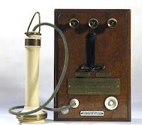 Telepon kuno jenis GAA 2472
