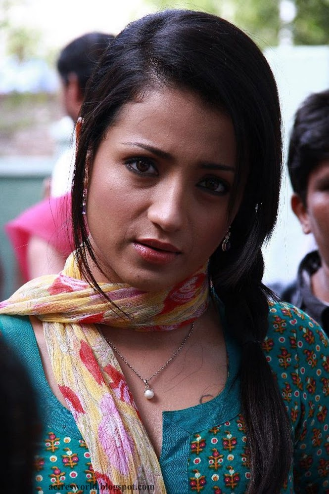 Actress Trisha Krishnan Cute And Hot Images In Green Dress1