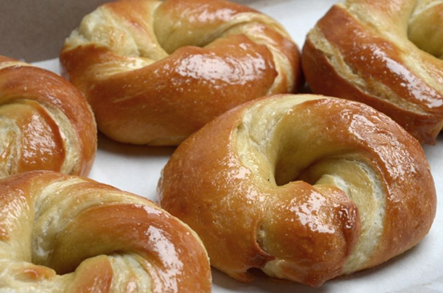 cragel, cronut, mitad bagel